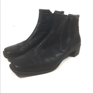 Ecco Women's Slip On Ankle Boots